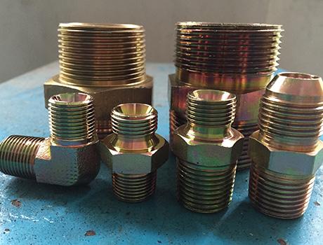 宝塔式管接头:其适用于橡